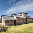 Allies Farmhouse by Timber Design (1)