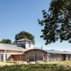 Allies Farmhouse by Timber Design (3)