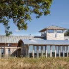 Allies Farmhouse by Timber Design (4)