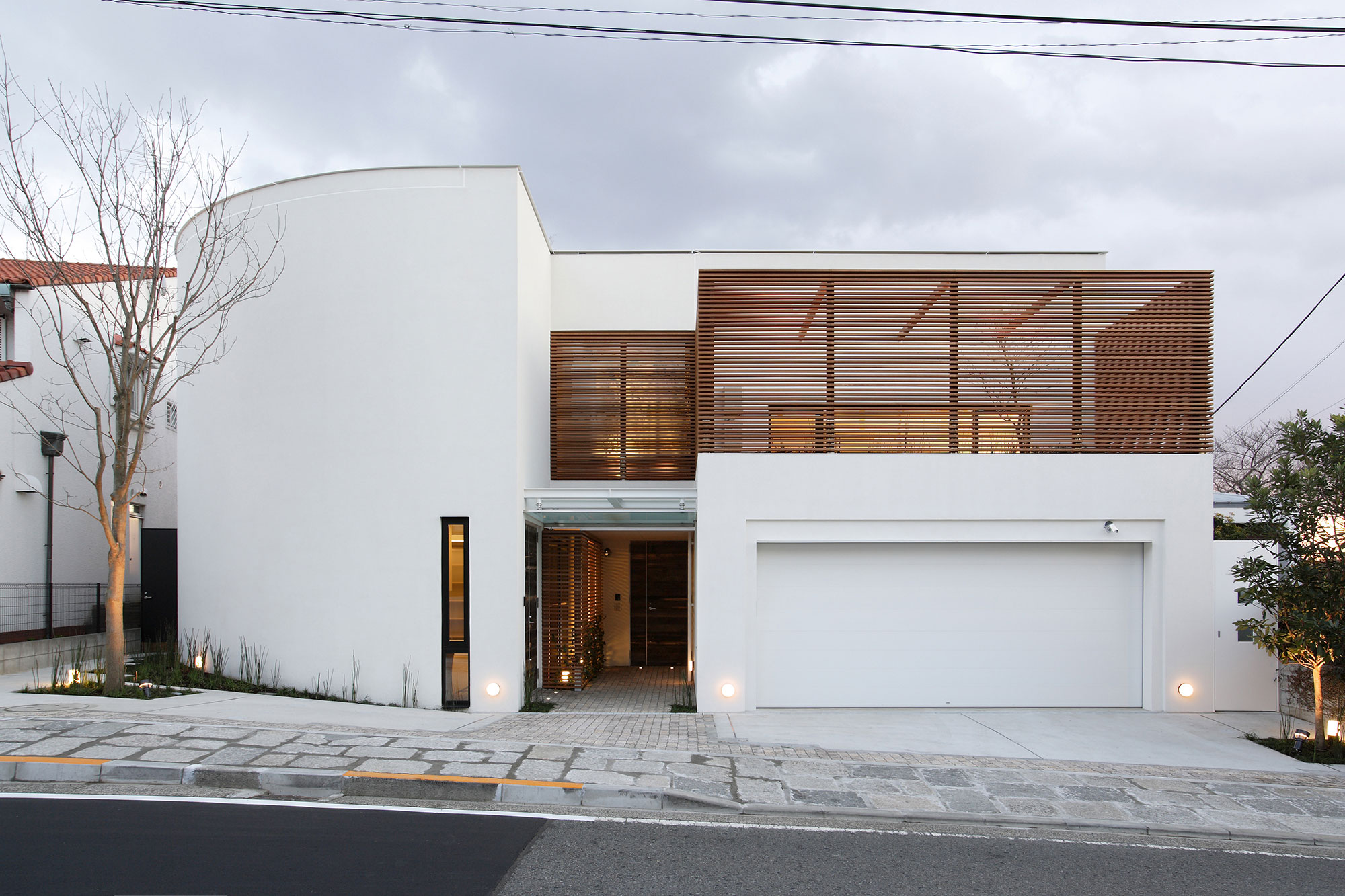 House on the Bluff by Edward Suzuki Associates (1)