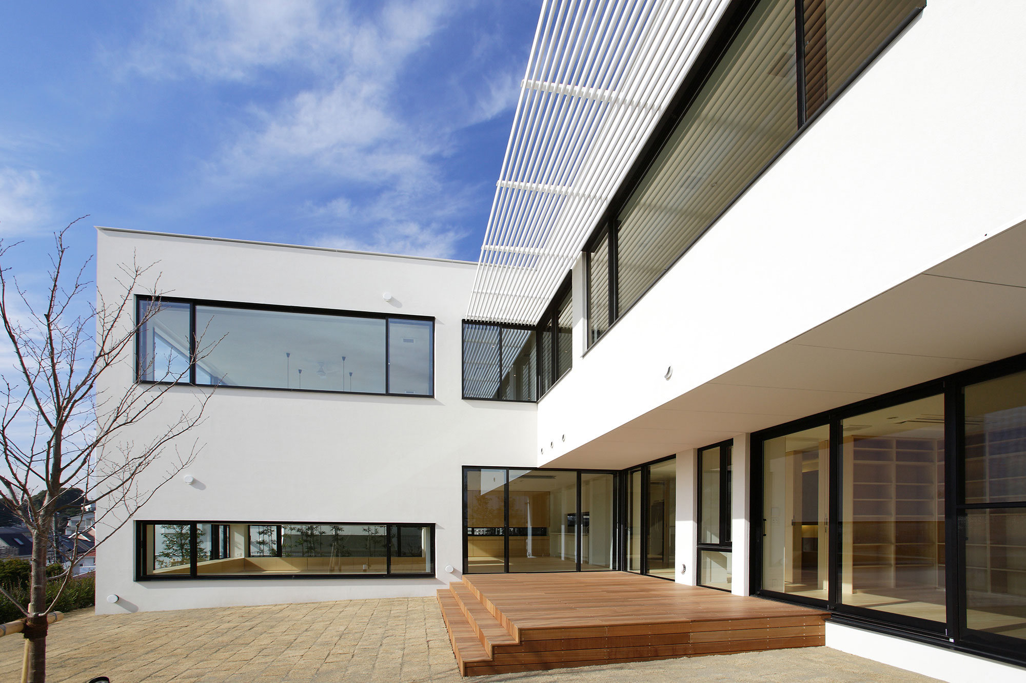 House on the Bluff by Edward Suzuki Associates (5)