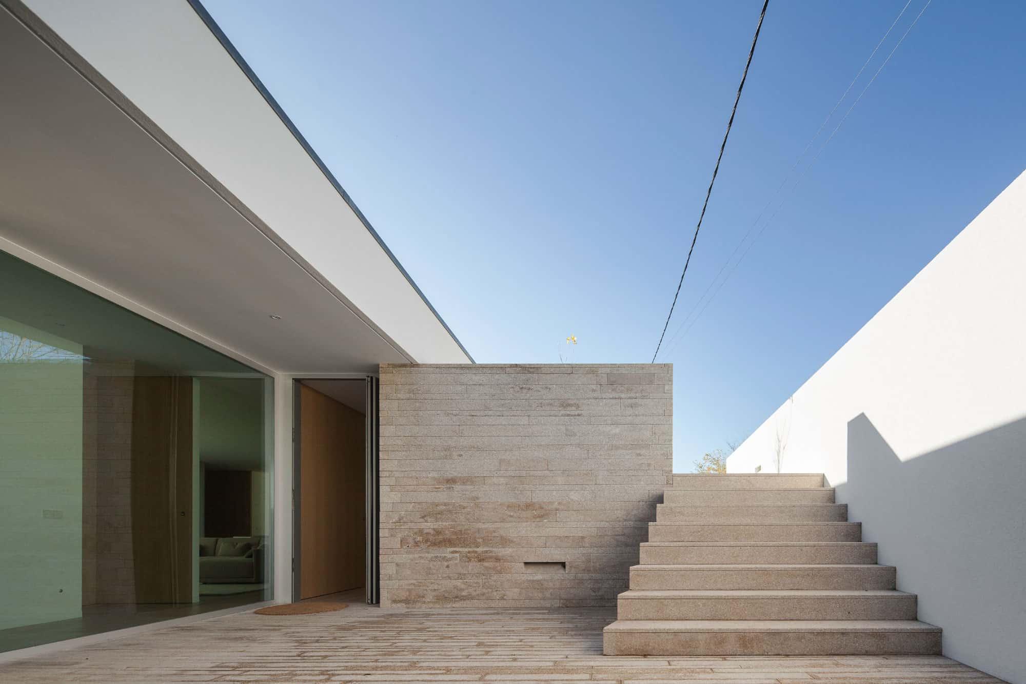Milhundos House by Graciana Oliveira (1)