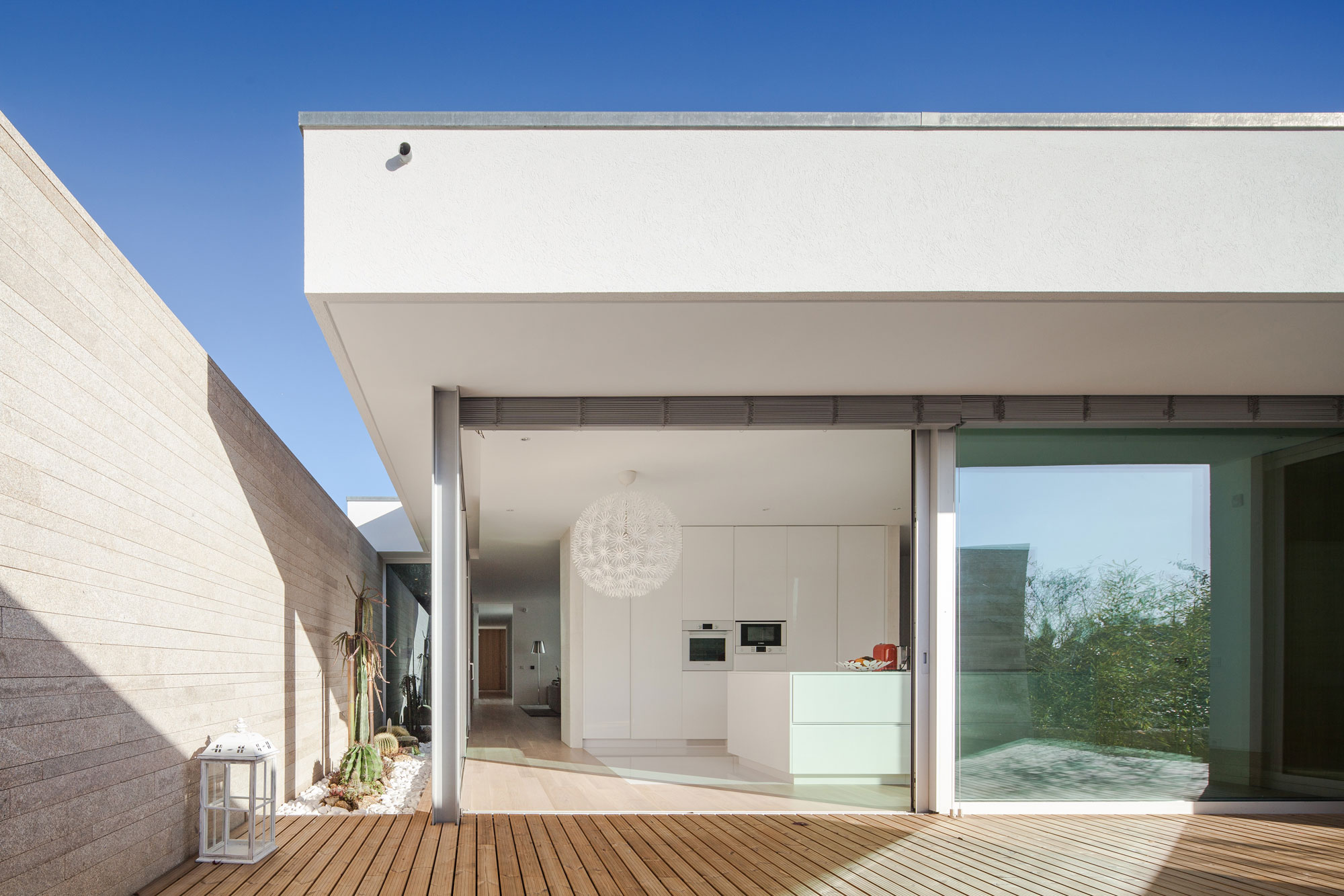 Milhundos House by Graciana Oliveira (4)