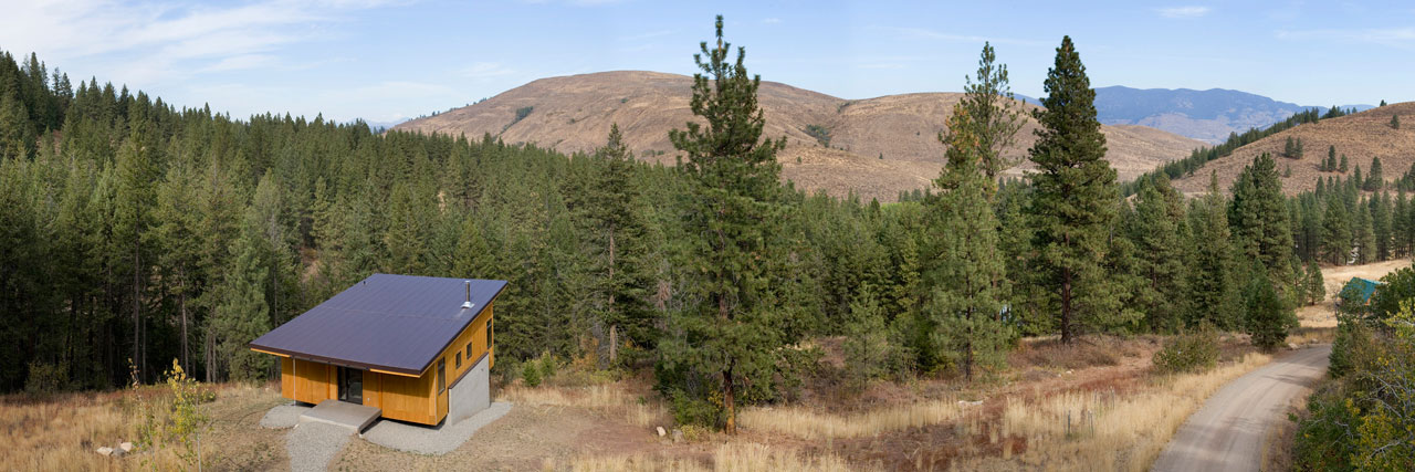 Pine Forest Cabin by Balance Associates Architects (1)