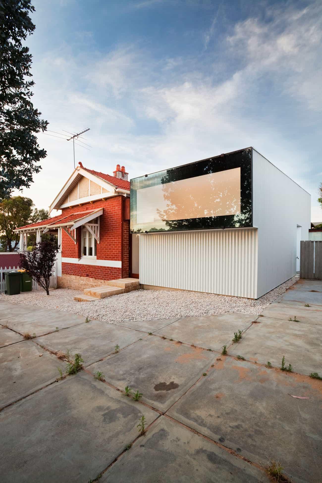 Westbury Crescent Residence by David Barr Architect