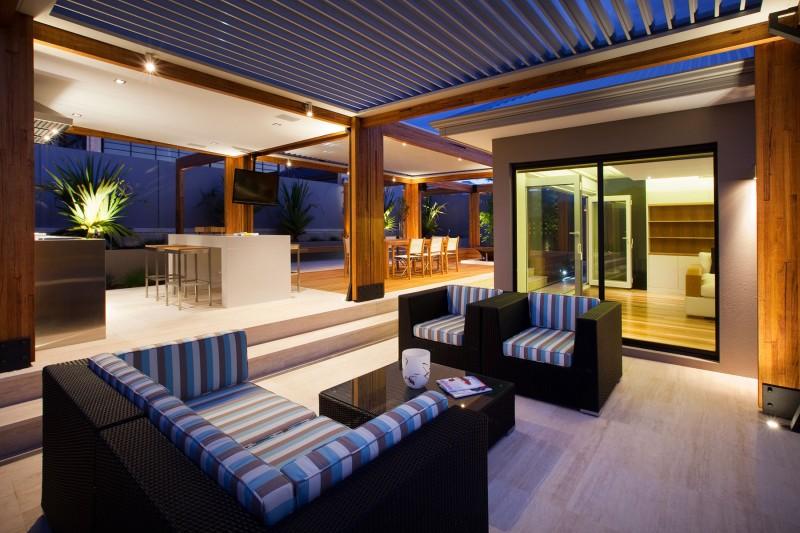 Hillarys By Ritz Exterior Design - Byron bay beach home designed by davis architects