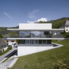 House by the Lake by Marte.Marte Architekten (3)
