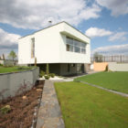House in the Hill by Za Bor Architects (2)