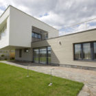 House in the Hill by Za Bor Architects (3)