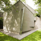 House of Mr. R by Za Bor Architects (5)