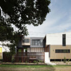 Mooloomba House by Shaun Lockyer Architects (1)
