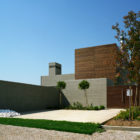 Residence in Larissa by Potiropoulos D+L Architects (2)