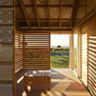 Shoal Bay Bach by Parsonson Architects (3)