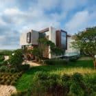 Daniel's Lane Residence by Blaze Makoid Architecture (2)