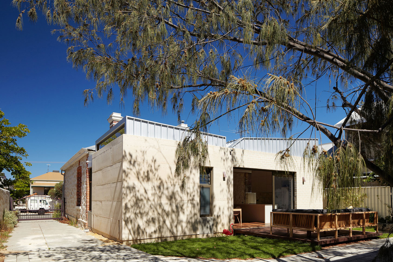 Fremantle Additions by Jonathan Lake Architects (4)