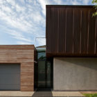 Water Patio House by Drozdov & Partners (2)