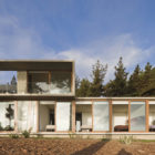 Aguas Claras House by Ramon Coz + Benjamin Ortiz (4)
