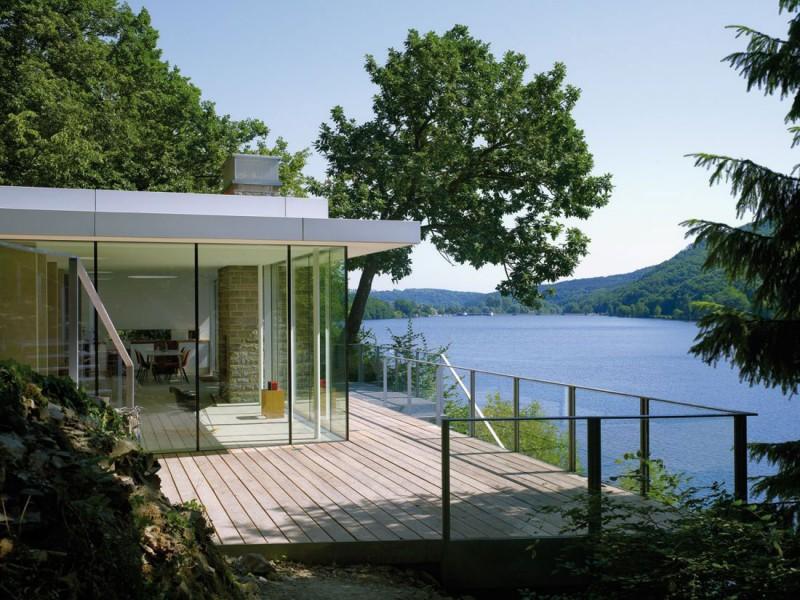 Lake House by LHVH Architekten