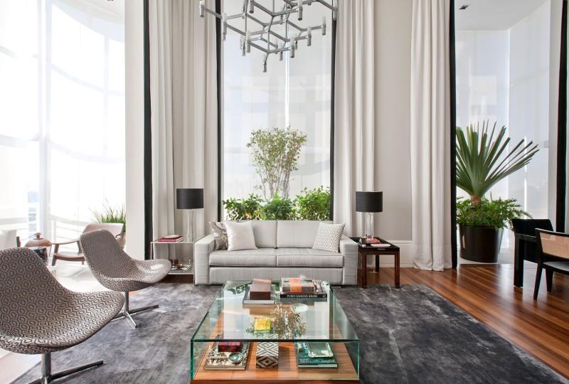 An Elegant Interior by Marcelo Mota Arquitetura