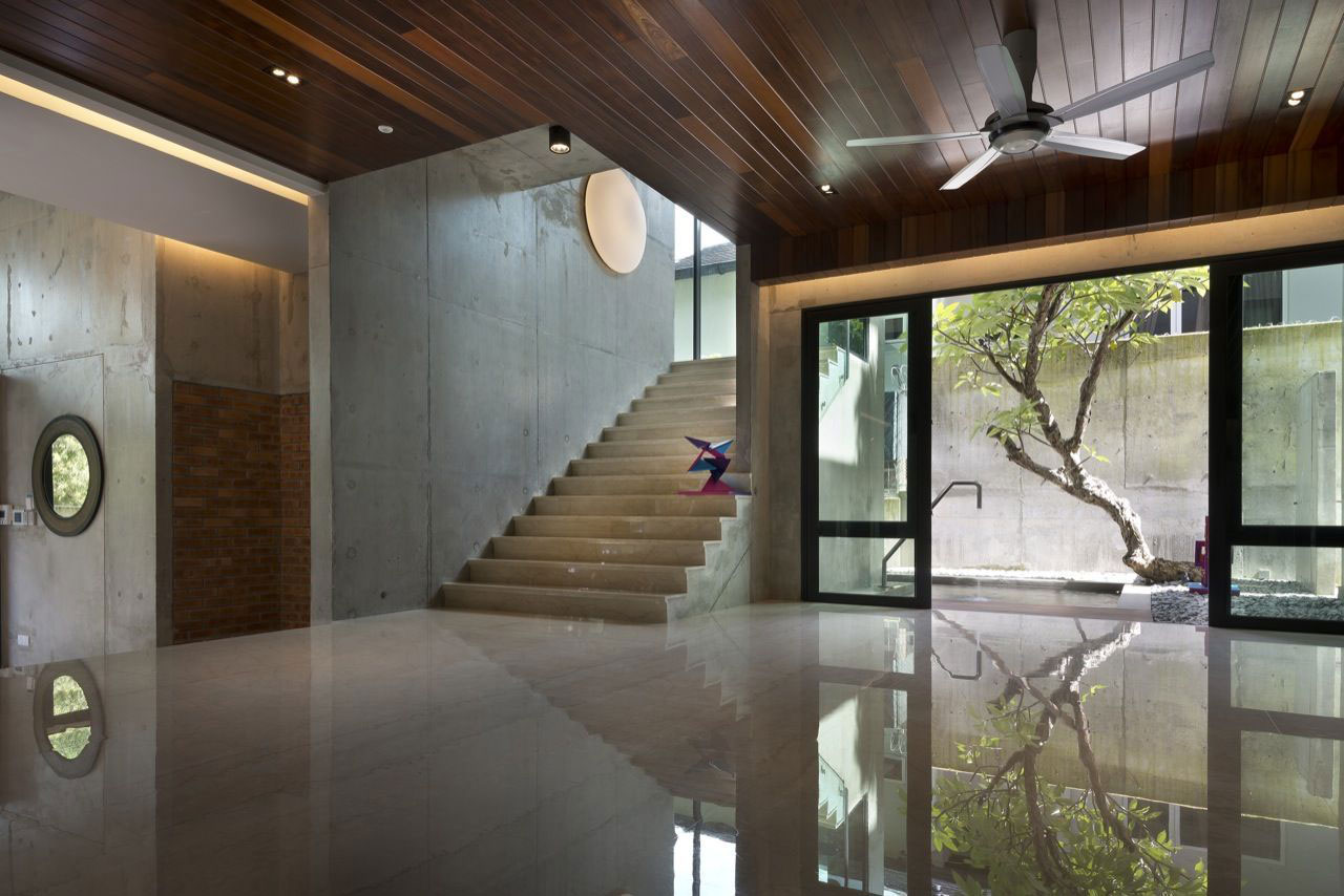 House N18 by DRTAN LM Architect