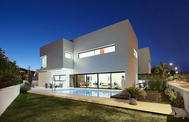 212 house by alfonso reina for Archi in casa moderna