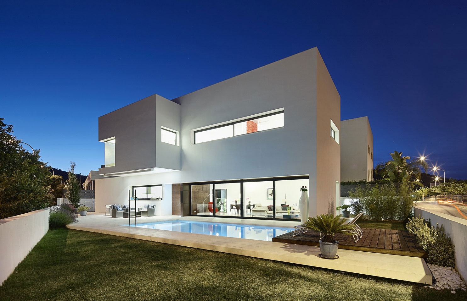 212 House by Alfonso Reina