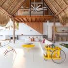 Costa Azul House by Cincopatasalgato Architecture (1)