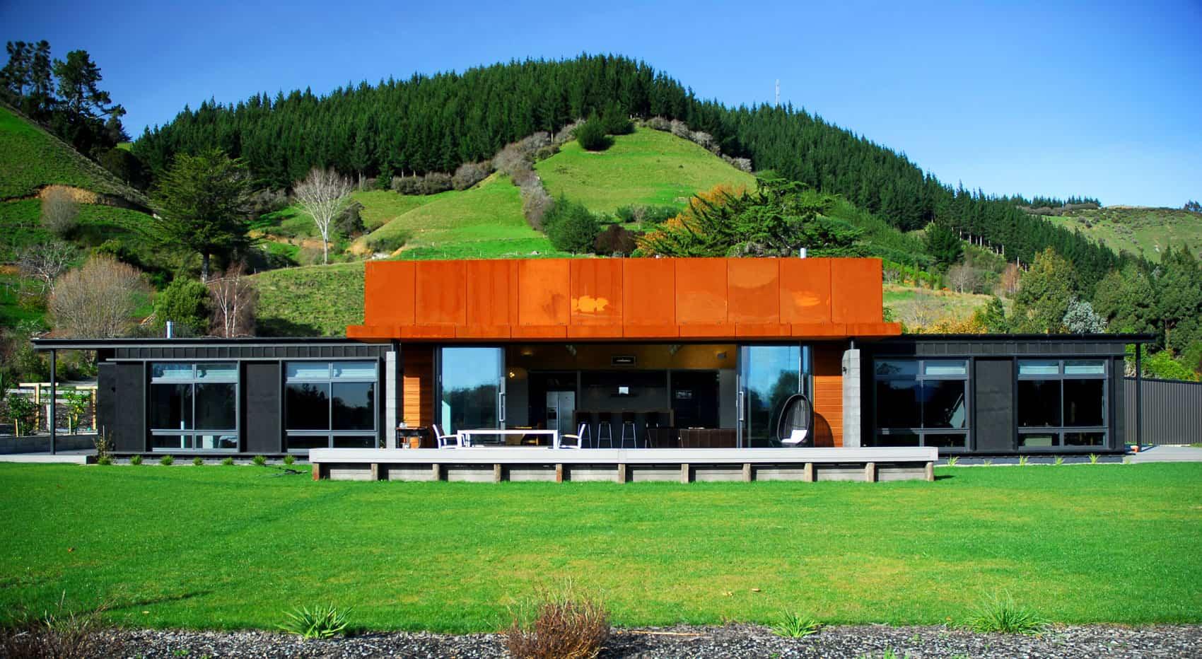 Radman Brown House by Guy Herschell Architects