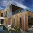Brown Vujcich House by Bossley Architects (1)