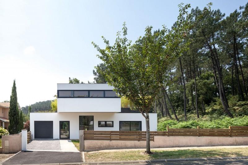 Villa Seignosse by Debarre Duplantiers Associés