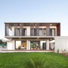 Andri & Yiorgos Residence by Vardastudio Architects and Designers (3)