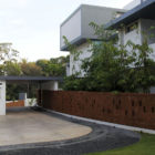 Running Wall Residence by LIJO RENY architects (3)