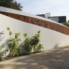 Running Wall Residence by LIJO RENY architects (4)