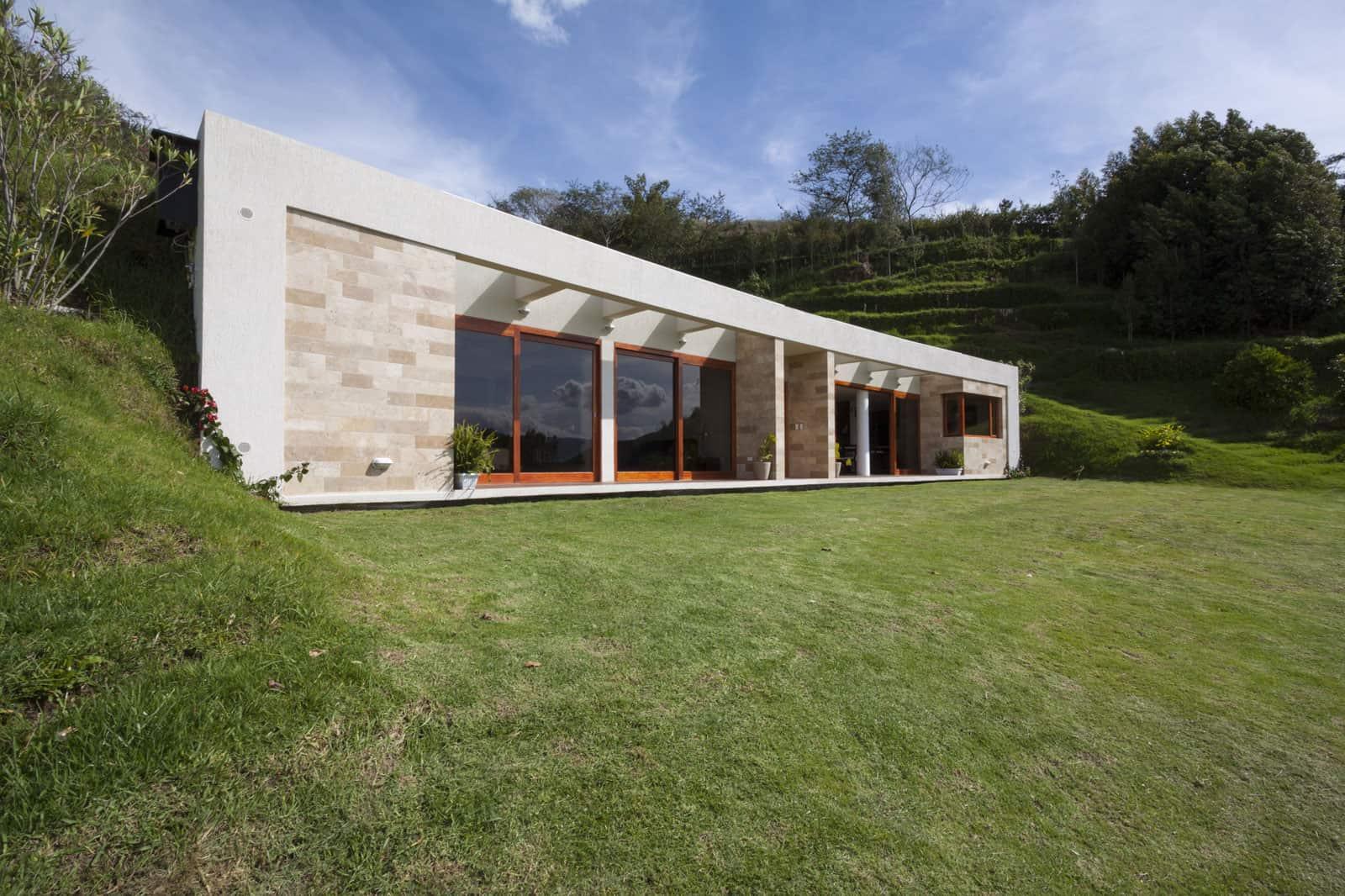 Casa Mirador by AR+C