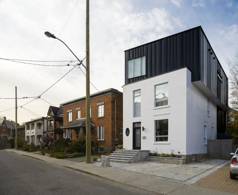 Belzberg Architects Design A Unique Home In Los Angeles, California