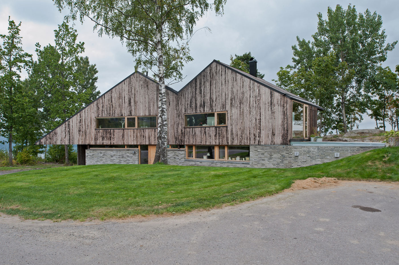 Off/Ramberg House by Schjelderup Trondahl Architects AS (1)