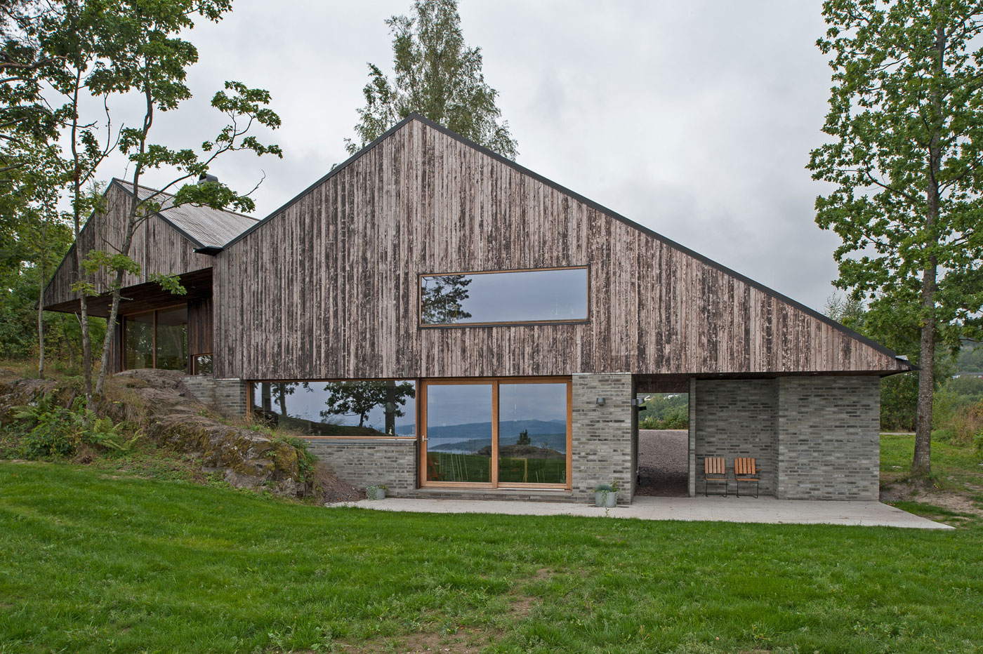 Off/Ramberg House by Schjelderup Trondahl Architects AS