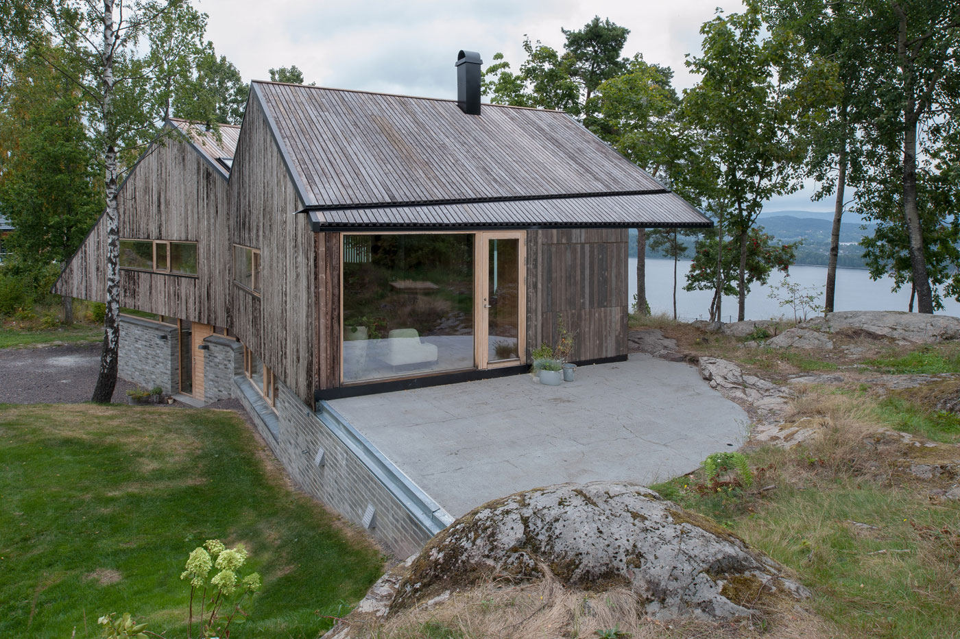 Off/Ramberg House by Schjelderup Trondahl Architects AS (6)