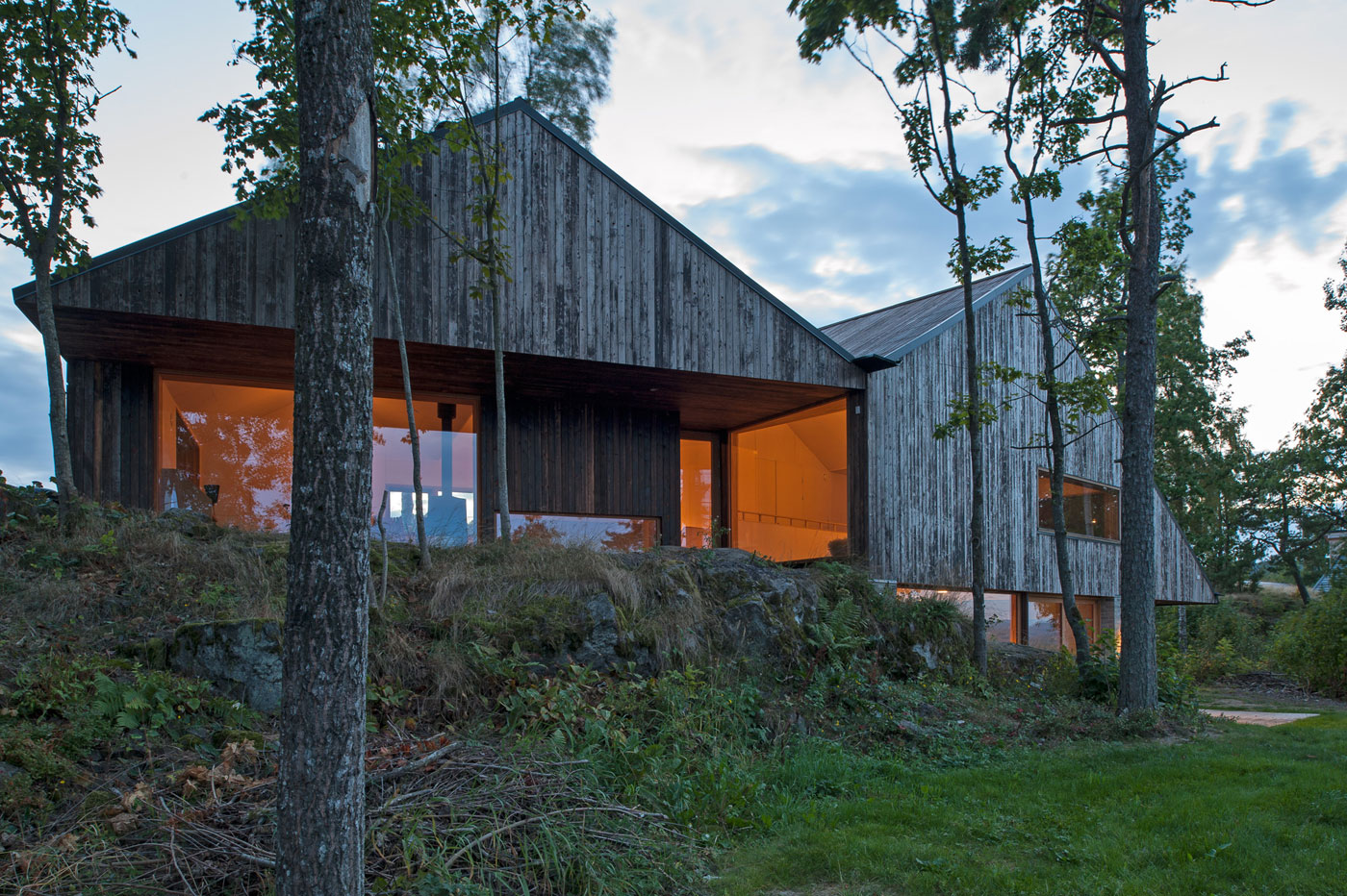 Off/Ramberg House by Schjelderup Trondahl Architects AS (15)
