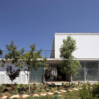 Private House in Tel Aviv by Weinstein Vaadia Architects (1)