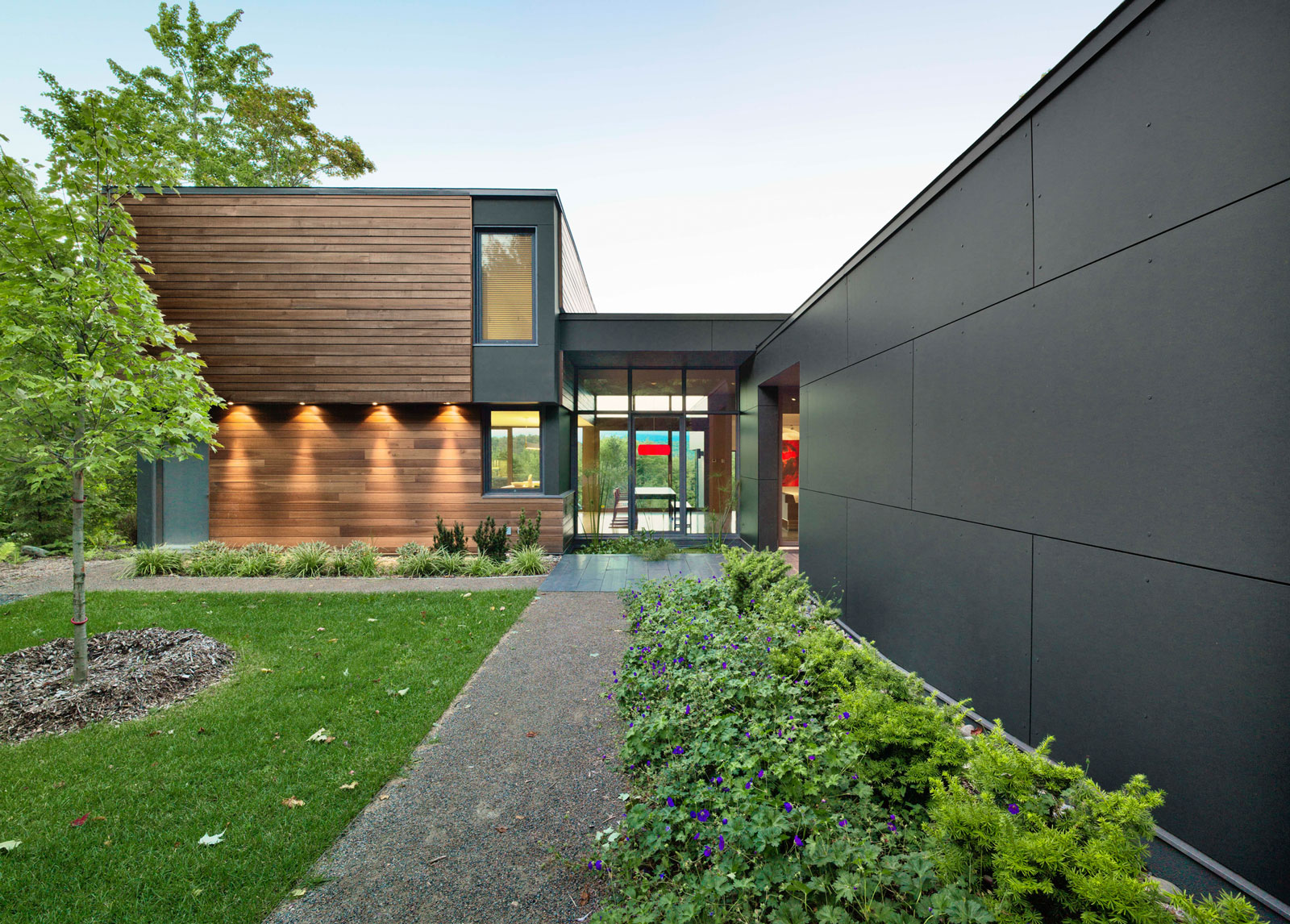 T House by Natalie Dionne Architecture (3)