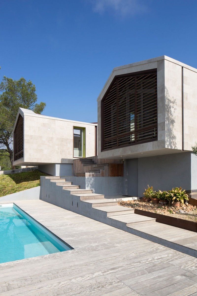 Home in montpellier by n b architectes for Architecte montpellier