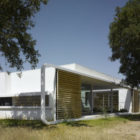 House in an Oak Grove by Murado & Elvira Arquitectos (5)