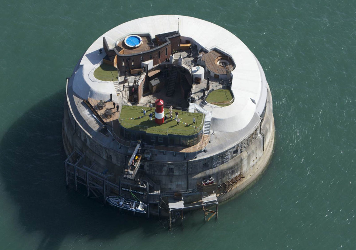 The Spitbank Fort (4)