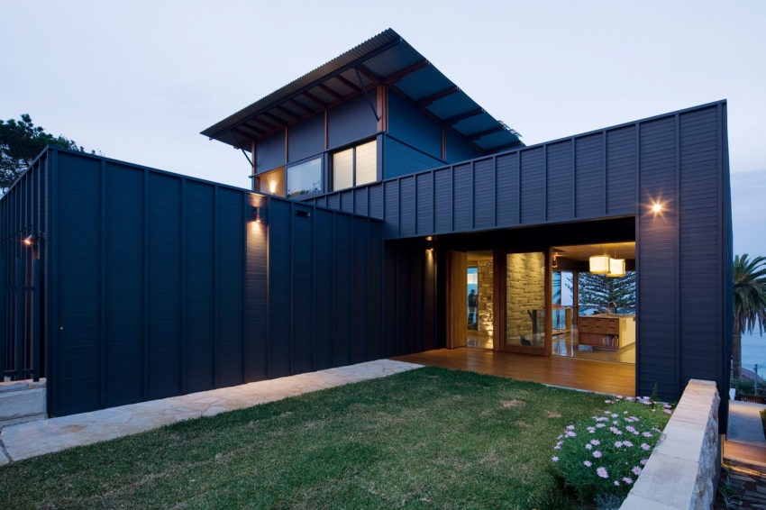 2 Corner House by Mark Elkan (1)