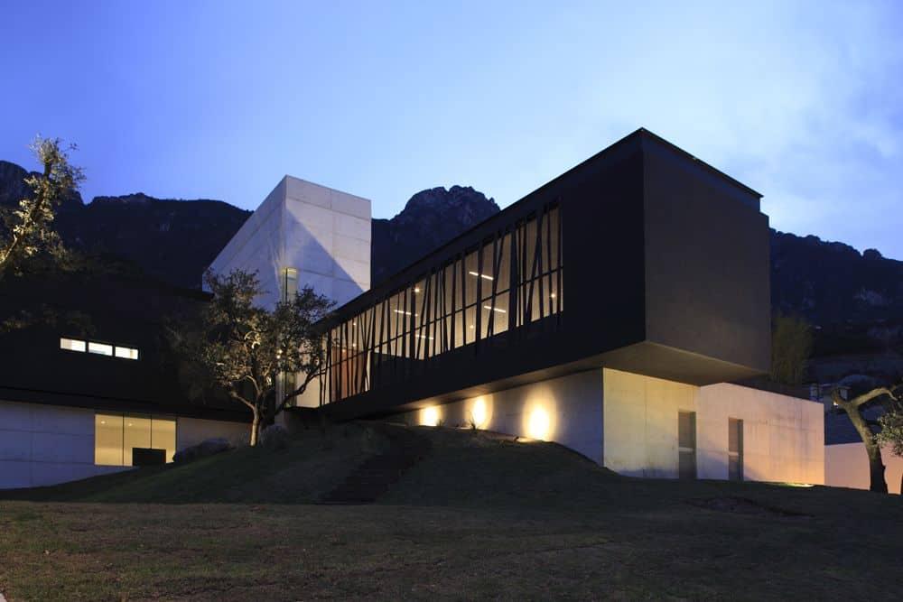 Casa BC by GLR Arquitectos (24)