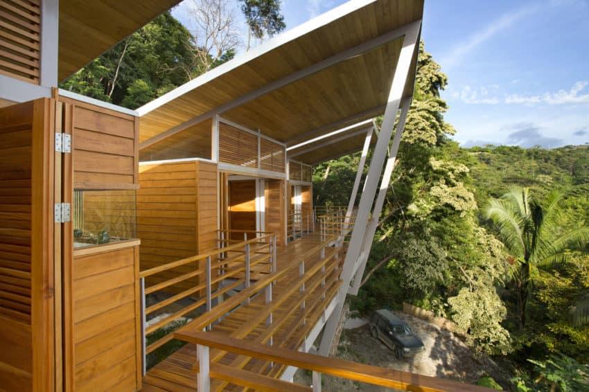 Casa Flotanta by Benjamin Garcia Saxe Architecture (4)