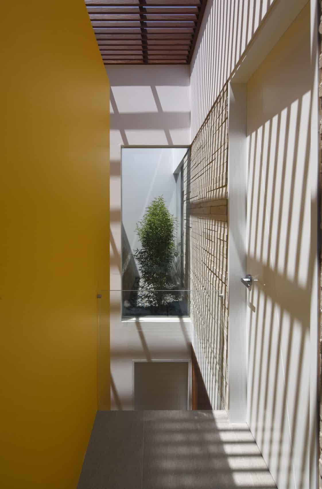 Casa P12 by Martín Dulanto Architect (12)