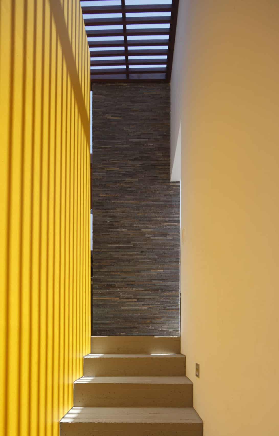 Casa P12 by Martín Dulanto Architect (14)