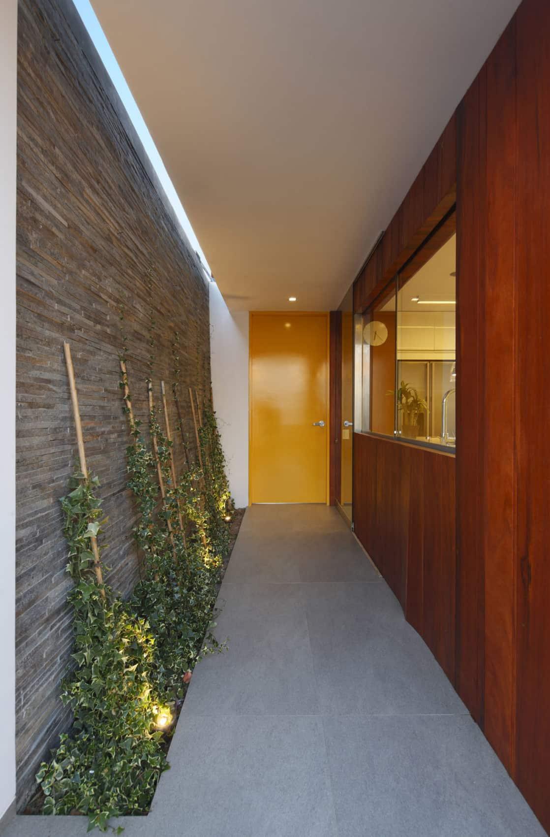 Casa P12 by Martín Dulanto Architect (22)